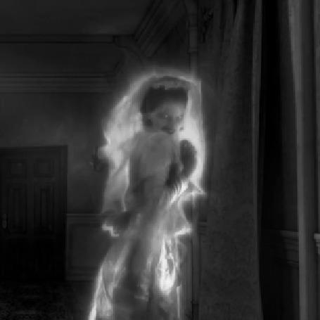 Анимация Исчезающий призрак девушки