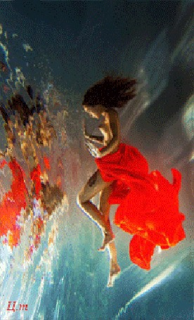 Анимация Полуобнаженная девушка под водой (Ц. т)