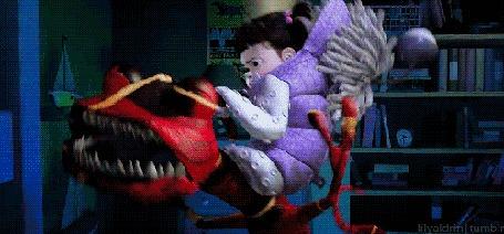 Анимация Малышка Бу оседлала монстра, который ее напугал, из мультфильма Корпорация монстров / Monsters