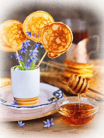 Анимация Оладьи с цветами в чаше, рядом стоит блюдце с медом (Доброе утро) (© irina.marianna1), добавлено: 15.04.2016 06:22