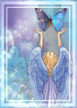 Анимация Девушка - ангел тянется к бабочке