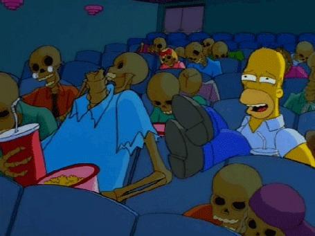 Анимация Гомер оглушительно хохочет в кинозале, полным мертвецов, мультфильм Симпсоны