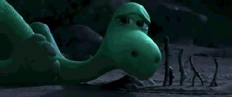 Анимация Дружок утешает Арло, момент из мультика Хороший динозавр
