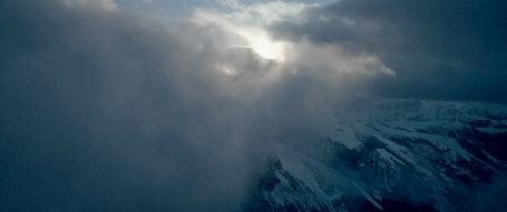 Анимация Движущиеся облака над горами