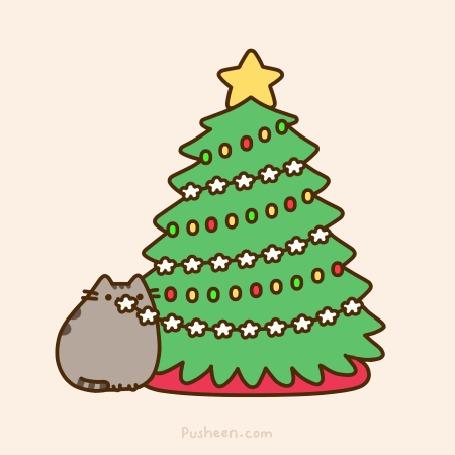 Анимация Кот Пушин / Pusheen сидит под, украшенной на Новый Год, елкой