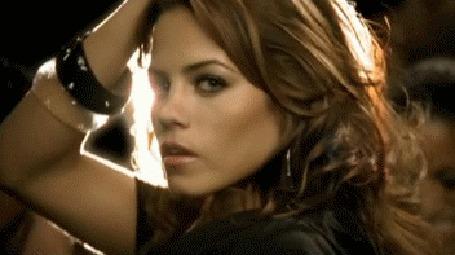 Анимация Парень (Ченнинг Тейтум / Channing Tatum) и девушка (Дженна Дуан / Jenna Dewan) танцуют, из клипа Ciara-Get up