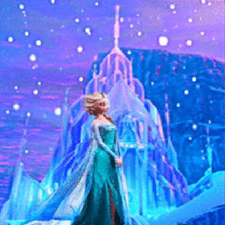 Анимация Эльза возле дворца