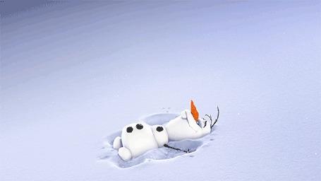 Анимация Снеговик Olaf / Олаф делает снежного ангела, из мультфильма Frozen / Холодное