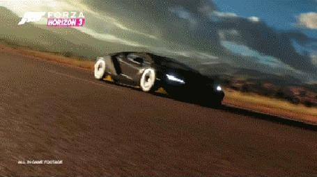 Анимация Над спортивным автомобилем пролетает самолет, из игры Forza Horizon 3