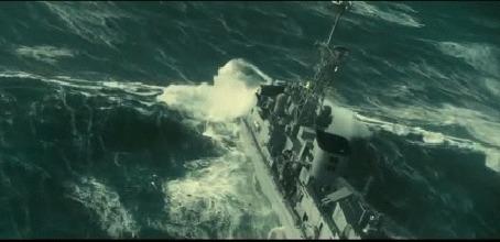 Анимация Корабль плывет по волнам во время шторма