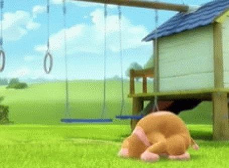Анимация Кувыркающийся на траве теленок, делает кувырок через голову и любуется бабочкой на цветке во дворе качели и гимнастические кольца