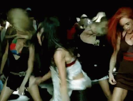 Анимация Девушки плавно выгибаются Николь Шерзингер (Nicole Scherzinger) проводит рукой по лицу, клип The Pussycat Dolls - Beep