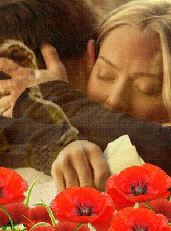 Анимация Девушка бежит навстречу своей любви, актриса Amanda Seyfried Аманда Сейфрид