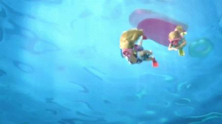 Анимация Девушки аквалангистки с подводным фотоаппаратом, скуба-дайвинг кадры из мультика Барби