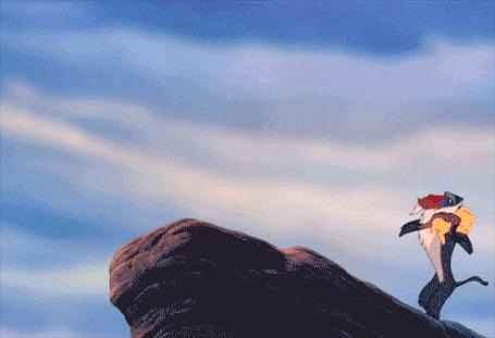 Анимация Мандрил Rafik / Рафики из мультфильмаThe Lion King / Король Лев случайно роняет львенка Simba / Симба