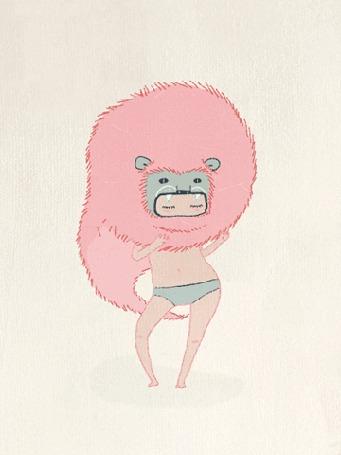 Анимация Девушка в трусиках танцует с пушистой шапкой на голове, в виде зверька