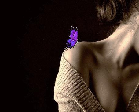 С бабочкой на плече