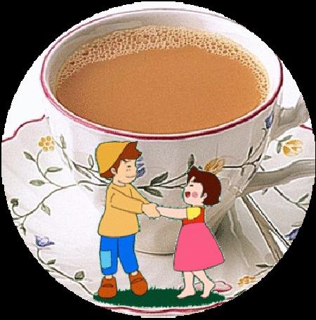 Анимация Девочка и мальчик танцуют возле большой чашки с чаем