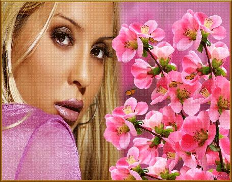 Анимация Блондинка в розовой одежде на фоне цветущих веток с летающими бабочками