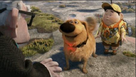 Анимация Пес Даг кинулся облизывать Карла, рядом стоит скаут Рассел, мультфильм Up / Вверх