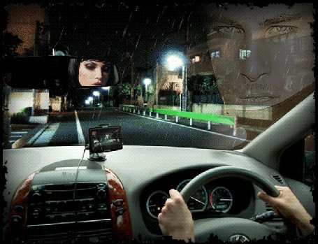 Анимация Девушка едет на машине по улице города и перед ее глазами встает образ любимого