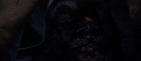 Анимация Страшное лицо вырисовывается из темноты