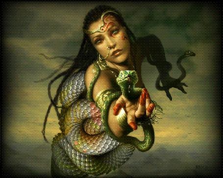 Анимация Обнаженную девушку обвили змеи, by Mira
