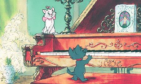 Анимация Берлиоз / Berlioz играет на пианино перед Мари / Mary из мультфильма Коты Аристократы / The Aristocats