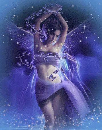 Анимация Девушка с крыльями ангела, вокруг мерцающие звезды. автор Ирис