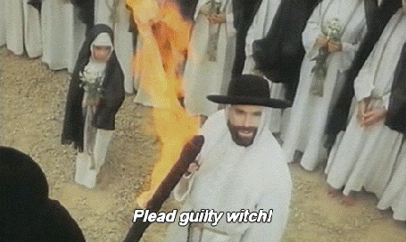 Анимация Кадры из фильма Valerie And Her Week Of Wonders / Валерия и неделя чудес, 1970 (Plead guity witch!)