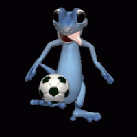 Анимация Дракоша филигранно обрабатывает мяч на тренировке