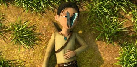 Анимация Девушка с бабочкой на лице лежит на земле