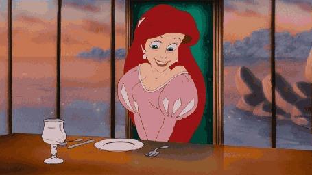 Анимация Ariel / Ариэль впервые видит вилку, кадры из мультфильма The Little Mermaid / Русалочка студии Disney / Дисней
