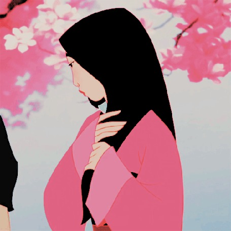 Анимация Принцесса Мулан / Mulan гладит руками волосы