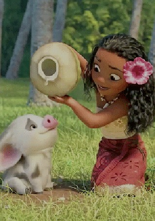 Анимация Moana Waialiki / Моана Ваялики поит водой из кувшина Поросенок Пуа / Pua из мультфильма Моана / Moana