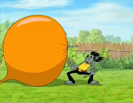 Анимация Волка выбрасывает на тележку с землей от разрыва шланга с водой, мультик Ну, погоди!