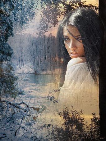 Анимация Девушка на фоне зимнего леса на закате