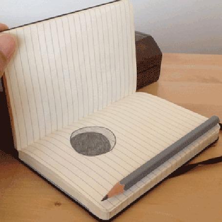 Анимация Прикольный бумажный червяк показывает язык