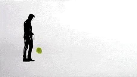 Анимация Парень, кидающий мяч в акварельную лужу