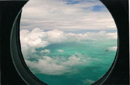 Анимация Вид из иллюминатора самолета