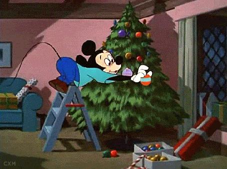 Анимация Mickey Mouse / Микки Маус наряжает елку шариками, студия Disney / Дисней