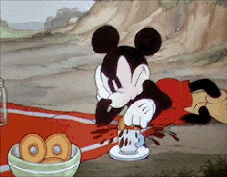 Анимация Мышонок ест пончики, мультфильм Mickey Mouse / Мышонок Микки, создатель Walt Disney / Уолт Дисней