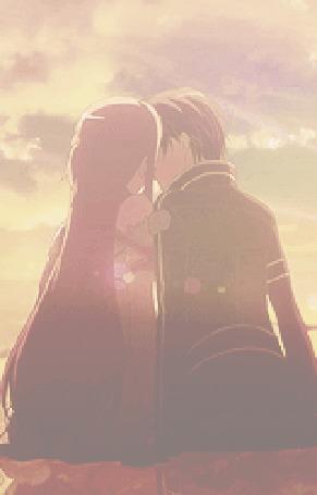 Анимация Парень целует девушку