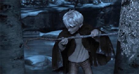 Анимация Джек Фрост / Jack Frost из мультфильма Хранители снов / Rise of the Guardians рисует морозные узоры на деревьях
