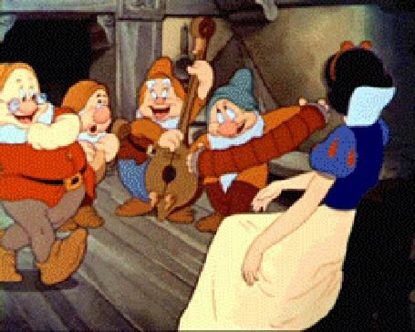 Анимация Белоснежка танцует с гномами из мультфильма Белоснежка и Семь Гномов, мультфильм студии Disney / Дисней
