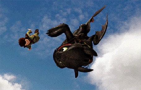 Анимация Иккинг совершает акробатические трюки в воздухе, в чем ему старательно помогает его дракон Беззубик, мультфильм How to Train Your Dragon / Как приручить дракона