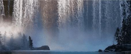 Анимация Водопад и озеро, окруженное деревьями