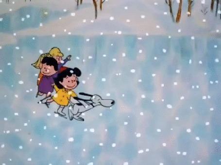 Анимация Радостные дети катаются на коньках