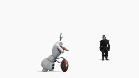 Анимация Мужчина ударяет ногой голову снеговика вместо мяча, за этим спокойно наблюдает жующий олень