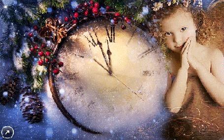 Анимация Девочка у часов за 5 минут до Нового года